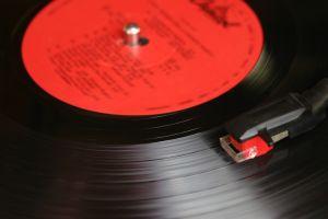 Obrázek Oldies aneb Historie z černých drážek, Hudba z 50. až 70.let podle historických žebříčků,…