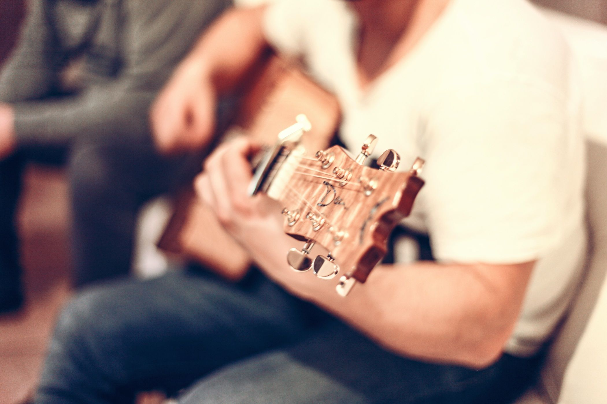 Obrázek Písničky pro vás, Posílejte blízkým i známým hudební dárky živě.…