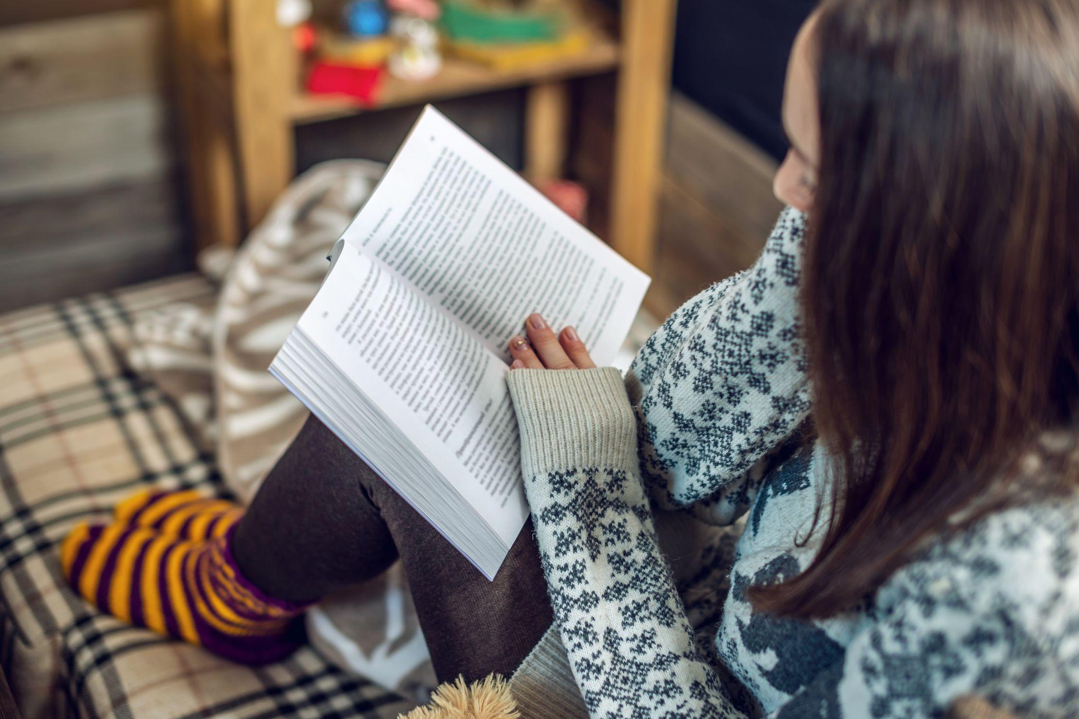 Obrázek Podvečerní čtení, Po dvanáct podvečerů můžete poslouchat četbu na…